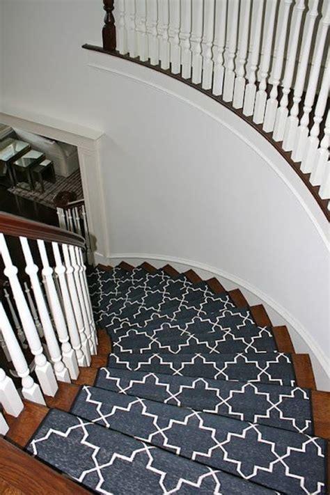 treppe mit teppich teppich auf treppe erneuern das beste aus wohndesign und