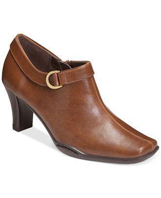 macys comfort shoes aerosoles cingle handed shooties only at macy s comfort