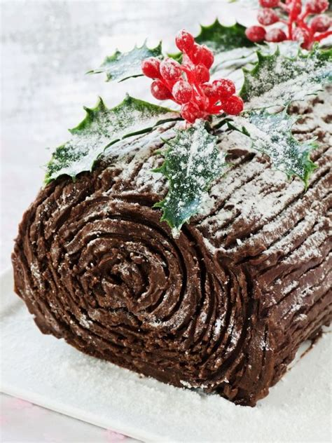 images of christmas yule log christmas chocolate yule log cake cheap easy recipe for