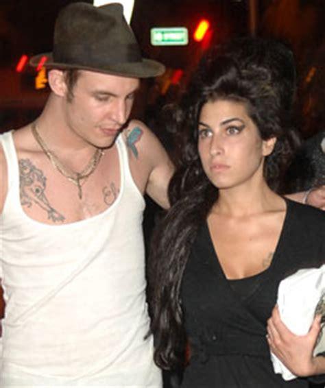 Fielder Civil Asks Winehouse For Divorce by Winehouse And Fielder Civil Granted A Divorce By