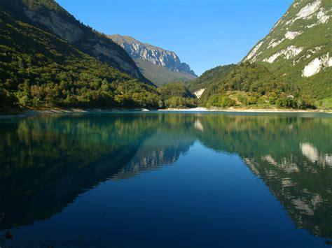 al lago festa dei marroni al lago di tenno ti turismo itinerante