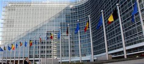 sede commissione europea italia la ue vede nero pil gi 249 dell 1 8 il governo