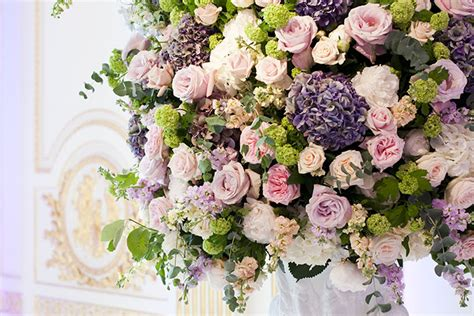 most beautiful flower arrangements seasonal flower trends for 2014 weddingplanner co uk