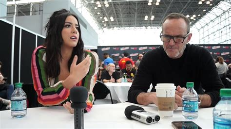 clark gregg nycc chloe bennet clark gregg for agents of shield at nycc
