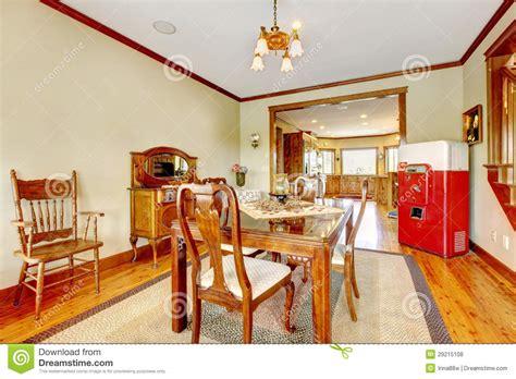 comedor verde  el refrigerador del antque  muebles de