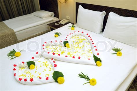 bed suite decorated with flowers and towels trendy mods