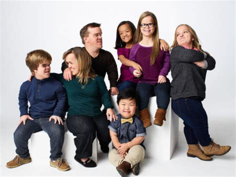 tlc shows cancelled for 2016 2017 7 little johnstons the family returns to tlc with new