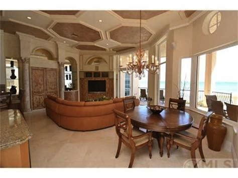 ray lewis house two time super bowl chion and retired nfl star ray lewis lists florida home for