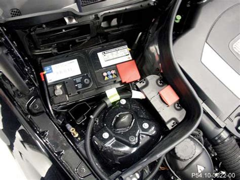 mercedes cls 350 battery location