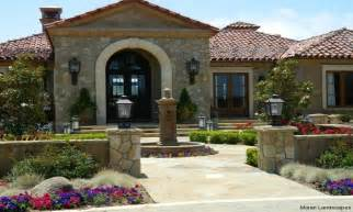 style homes with courtyards hacienda style homes courtyard designs