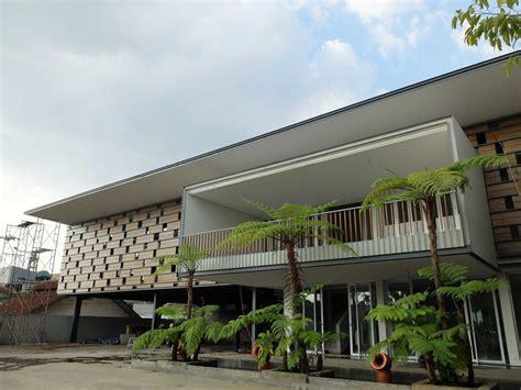 desain balkon  keren  rumah mewah informasi