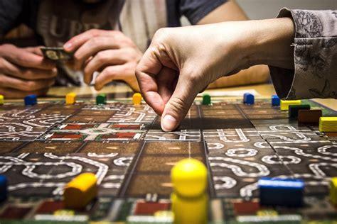 giochi da tavolo per adulti come scegliere i migliori giochi da tavolo divertenti per