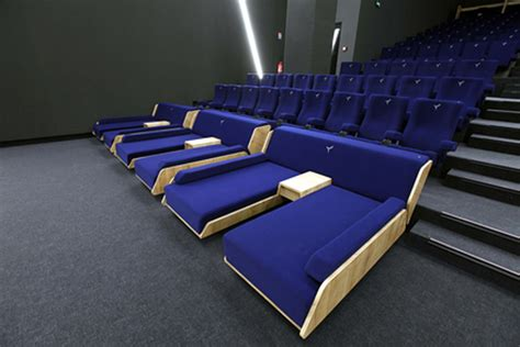 cinema aeroville lit luc besson lance le cin 233 ma de luxe 224 25 la s 233 ance