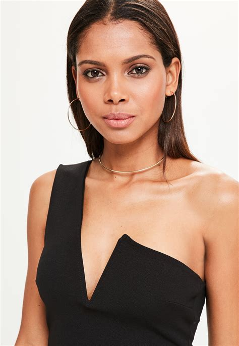 One Shoulder Hairstyles by Hairstyles For One Shoulder Dress Hair