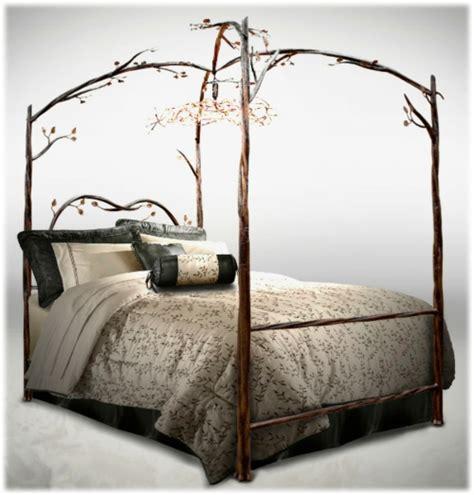 himmelbett gestell 50 coole ideen f 252 r himmelbetten aus holz im schlafzimmer