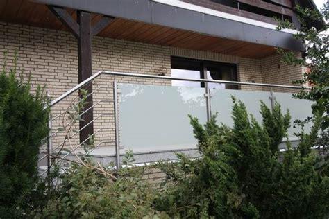 Terrassengeländer Edelstahl by Terrassengel 228 Nder Aus Edelstahl Und Satiniertem Glas