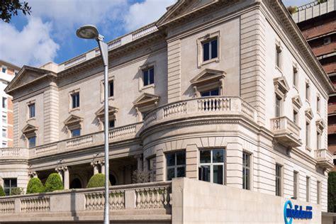 Sede Mediolanum - la historia palacete abadal sede de banco mediolanum