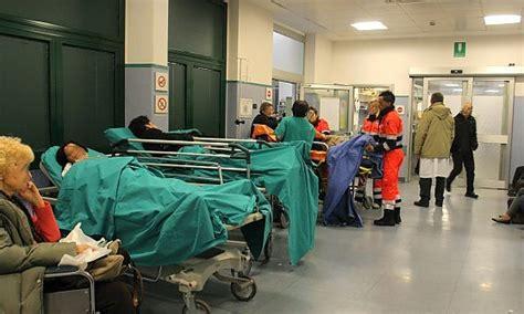 posti letto ospedali posti letto esauriti ricoveri bloccati ospedali genovesi