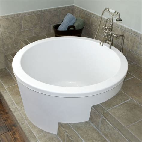japanese soaking tubs for small bathrooms 184 best images about great ideas for the home on