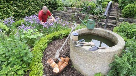 Grundwasserbrunnen Selbst Bauen by Brunnen Im Garten Vereint 196 Sthetik Und Wirtschaftlichkeit