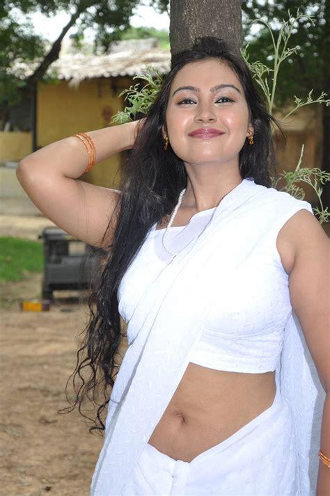 Blouse Naraya masala hots new tamil in white sleeveless saree
