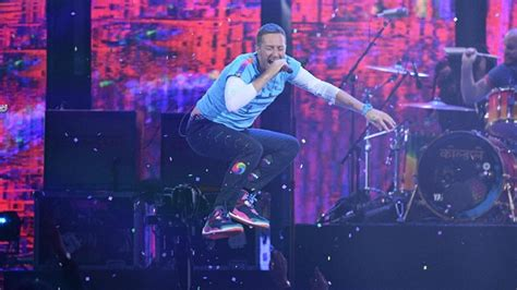coldplay announce new music in 2017 one news page video the chainsmokers coldplay unleash new single something