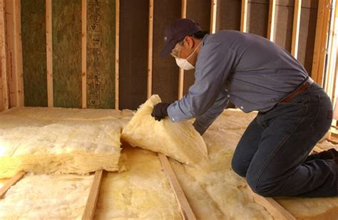 Batt And Blanket Insulation by What Does Insulation Look Like Insulation Contractors