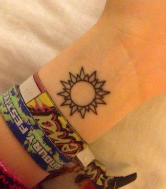 imagenes del sol y la luna para tatuar 80 tatuajes del sol que te querr 225 s hacer tatuajes geniales