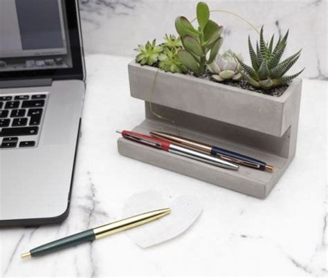 desk planter 25 best ideas about office plants on plants