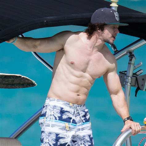 Mark Wahlberg Sexy Pictures Mark Wahlberg Shirtless In