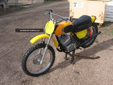 cz motocross bikes 1971 cz 250 yellow tank mx dirt bike