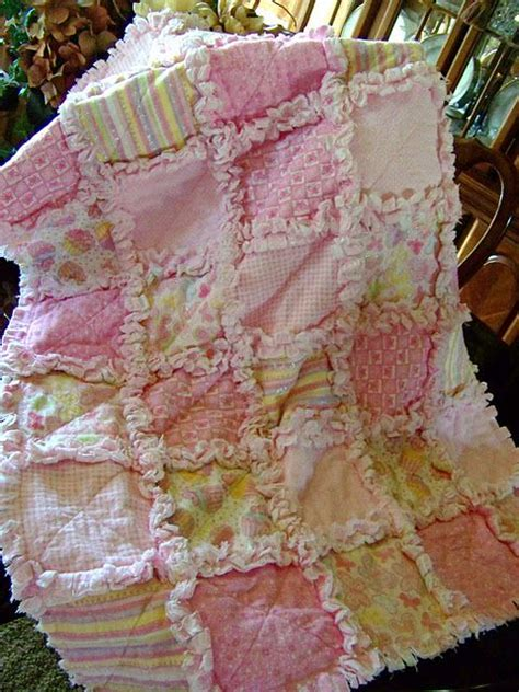 quilting blanket tutorial cute rag quilt tutorial found on creationsfromtheheartblog