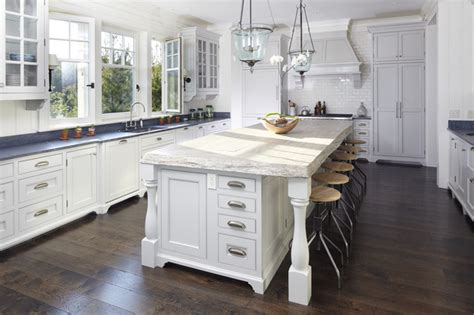 Cottage Kitchen Islands Beach House Kiawah Island Beach Style Kitchen