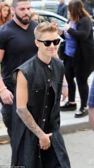 Justin Bieber Bentley Justin Bieber Rocks Kooky Leopard Print Fur Jacket During