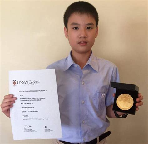 Unsw Mba Applications by Dion Ong Receives Unsw Medal For Top Scoring In Grade 8