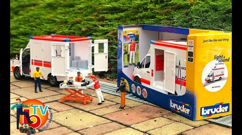bruder toys mercedes bruder toys mercedes ambulance with driver ambulanz