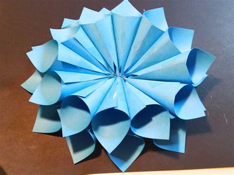 per fare un fiore come creare un fiore di carta fai da te per decorare la casa