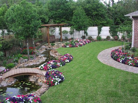 Backyard Landscaping This Backyard Landscaping Has Lots Landscaping Ideas For Big Backyards