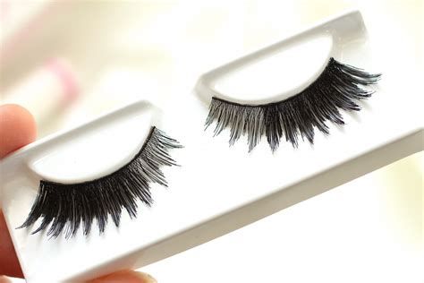 house of lashes review house of lashes feline dollface review collective beauty