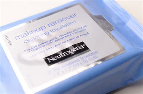 Voerin The Ultimate Make Up Remover Towel neutrogena make up remover cleansing towelettes