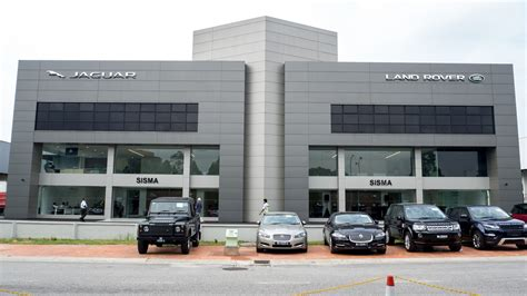 land rover malaysia jaguar land rover malaysia launches 3s centre in