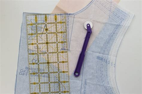 pattern wheel sewing how to transfer patterns to fabric with a tracing wheel