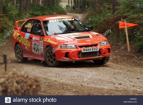 car mitsubishi evo mitsubishi evo evolution rally car rallying road speed