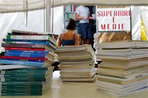 tetto di spesa libri di testo libri di testo ai licei spese per circa 300 a