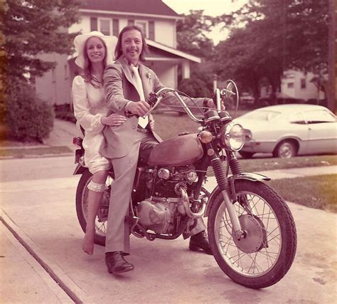 Couple Celebrates 40th Anniversary By Recreating Their