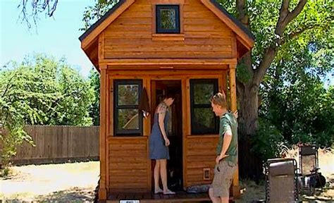 arizona tiny house couple admits that living in tiny house sucks huge huge