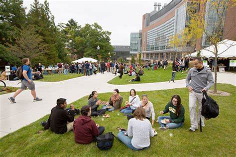 Mba Umass Amherst by 30 Best Schools For Graduate Degrees 2017