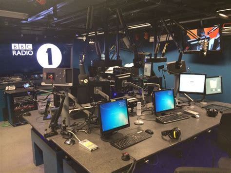 london house music radio stations behind the scenes at bbc radio 1 edm assassin