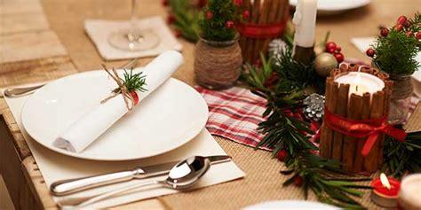 apparecchiare la tavola per capodanno apparecchiare tavola capodanno decorazioni per
