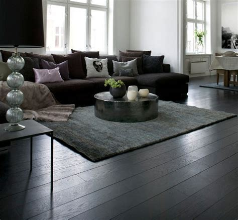 Black Wooden Flooring Brings the Contemporary Stylish Look